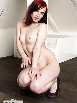 MC-Nudes  Leila K  Erotic, Softcore, Legs, Teens, Young, Solo