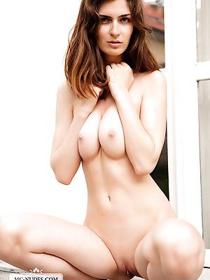 MC-Nudes  Charlotta  Erotic, Beautiful, Brunettes, Solo, Young, Teens, Legs, Softcore